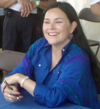 200px-DianaGabaldon-BookSigning-August11-07[1]